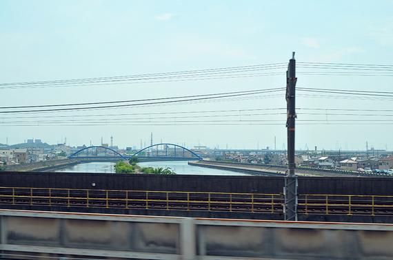 車窓 東海道 新幹線 東海道新幹線[東京-新大阪間]の車窓から発見可能な天守の数は?⇒2つ追加 |BEST